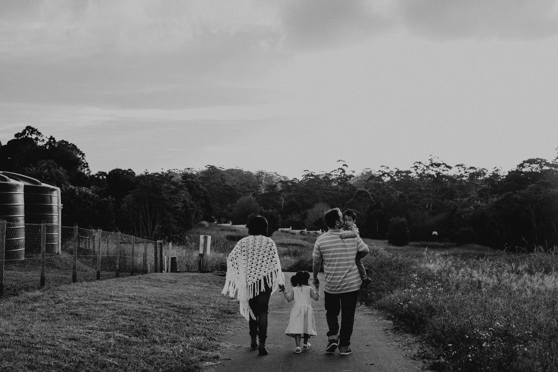 family walking down country lane mt tamborine