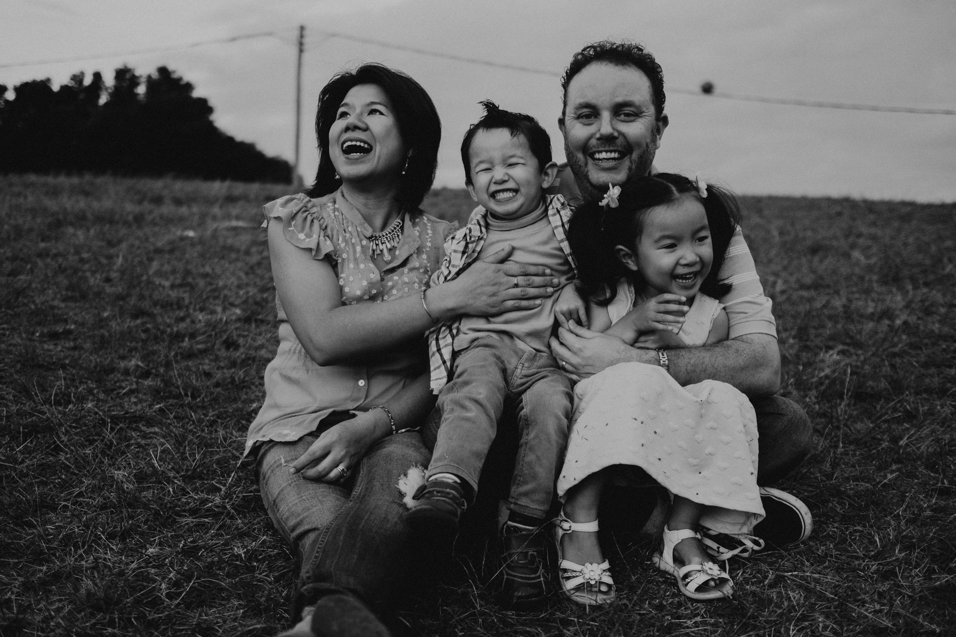 family portrait mt tamborine laughing