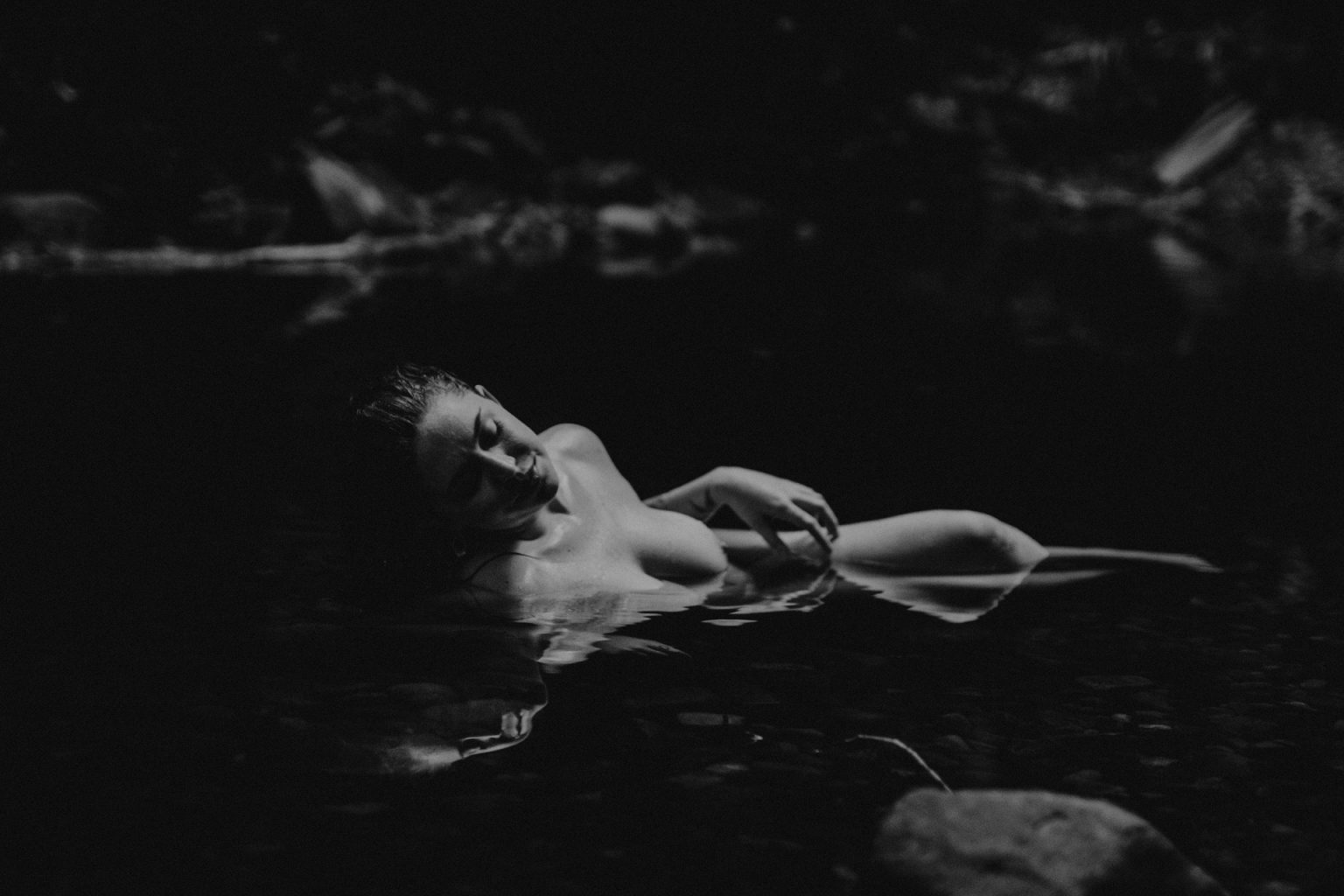 naked woman Currumbin forest pool dark