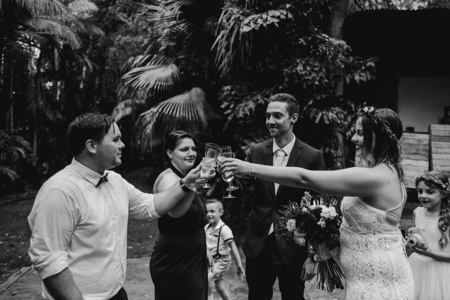 bridal party drinking champagne