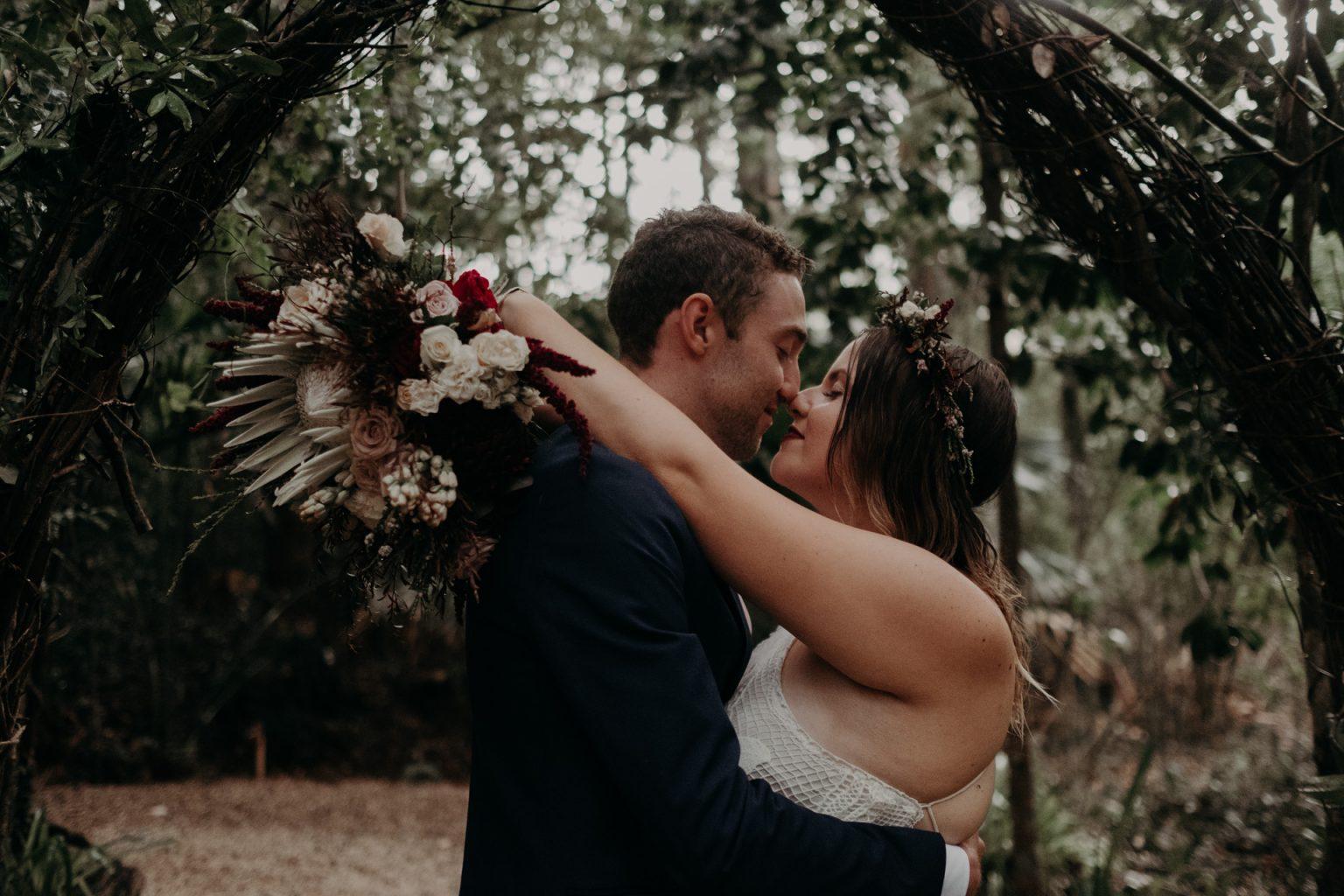 bride groom forest elopement brisbane kissing