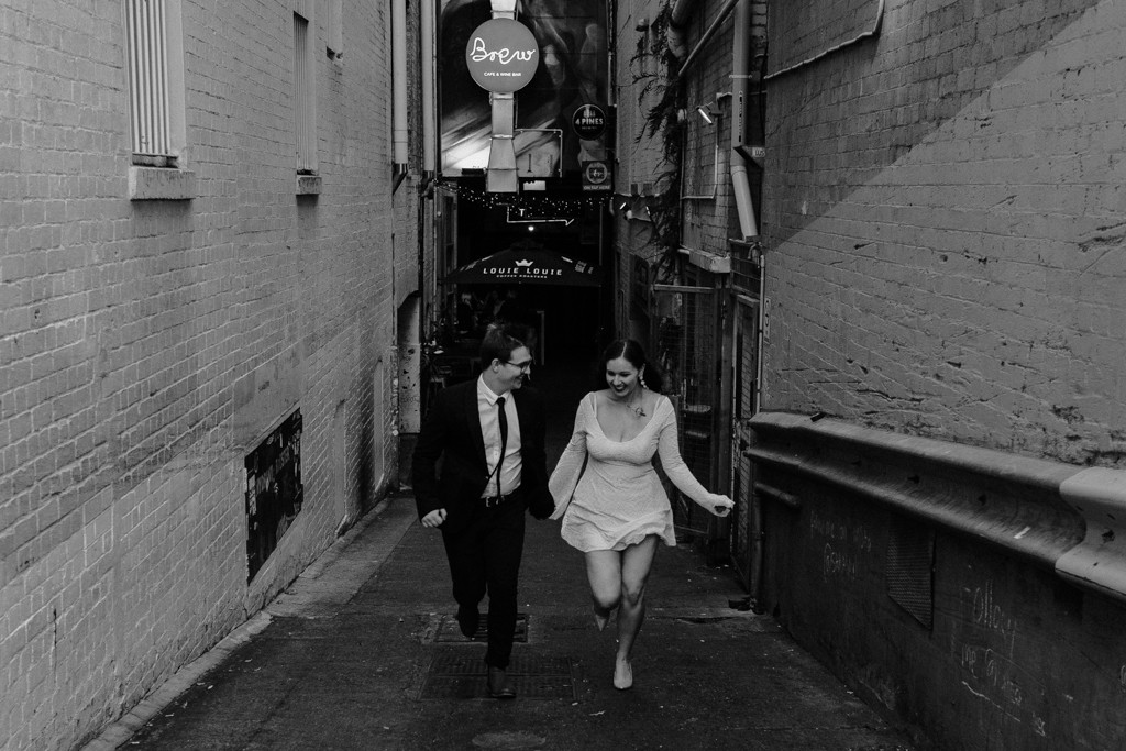 bride groom brisbane elopement laneway  running