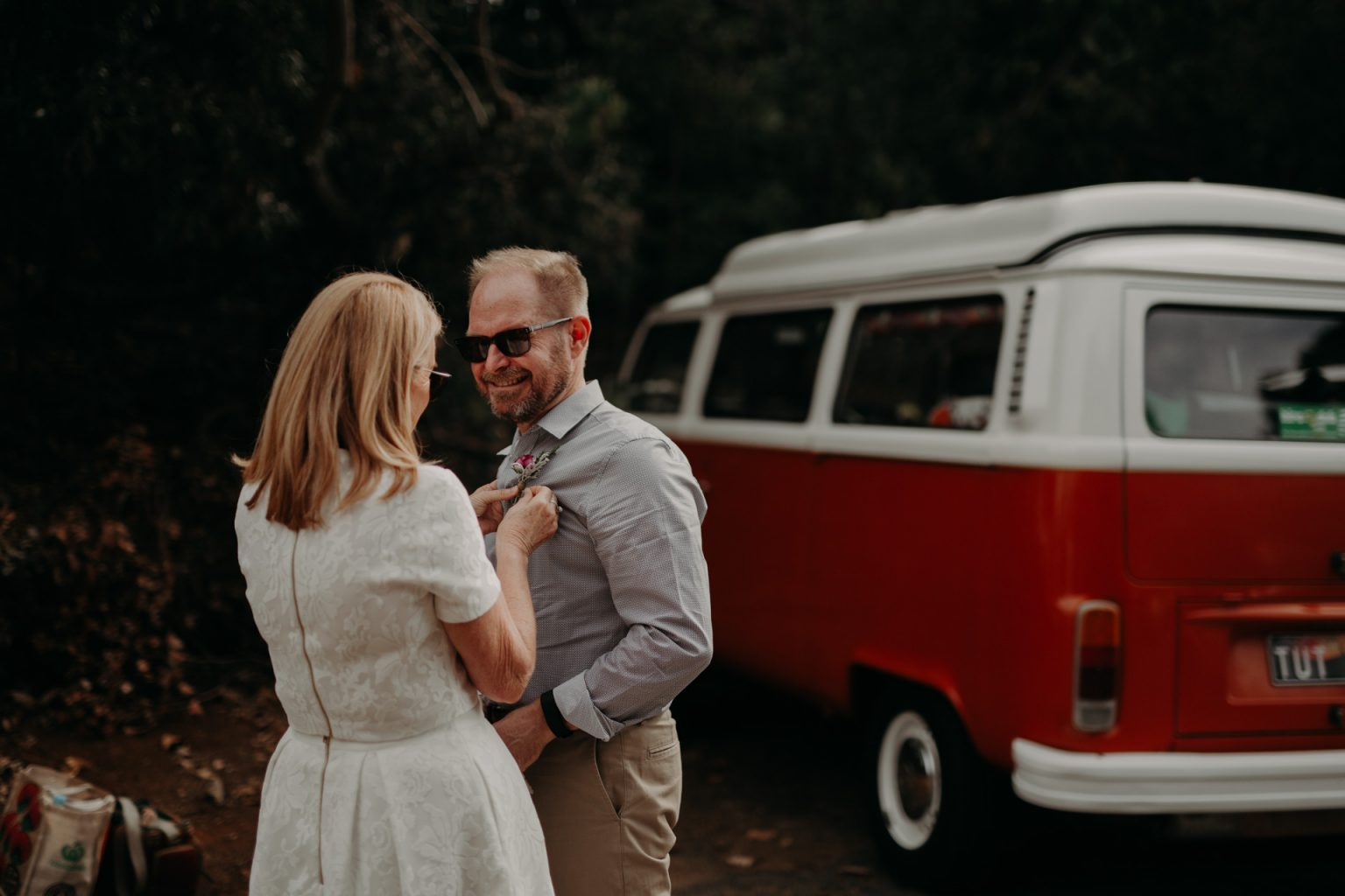 bride and groom kombi