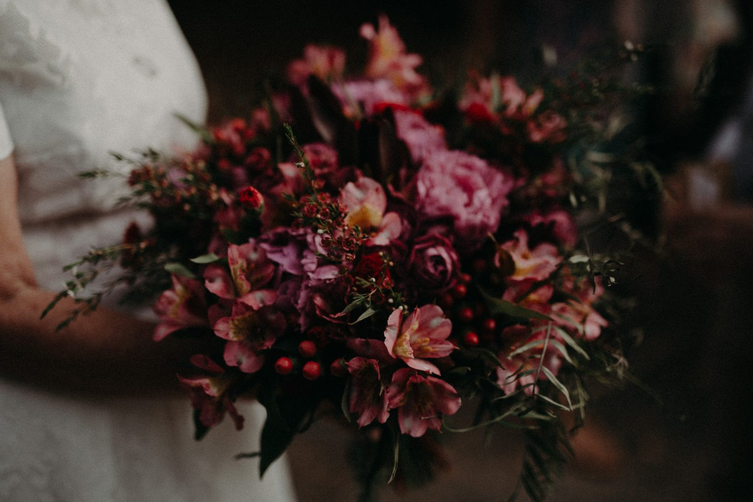 bridal bouquet pink red